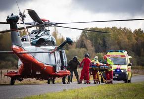 Доставка вертолетом в больницу в среднем требуется 15 жертвам ДТП в год.