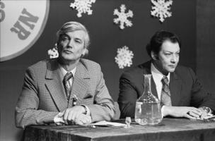 Näitlejad Ervin Abel ja Eino Baskin Eesti Televisiooni vana-aastaõhtu programmis, sketš
