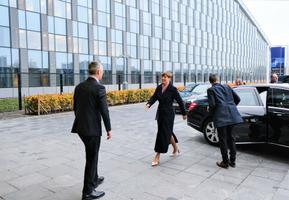 Kersti Kaljulaid kohtus esmaspäeval NATO peakorteris ühenduse juhi Jens Stoltenbergiga