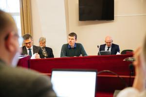 Meelis Vetevool (keskel) M.V.Wooli asjas halduskohtus