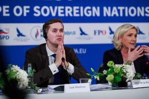 Jaak Madison koos möödunud aastal Tallinna külastanud Prantsusmaa Rahvusliku Liidu juhi Marine Le Peniga.