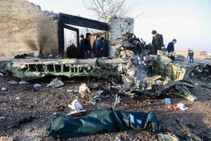 Alla kukkunud reisilennuki rusud Teherani lähistel