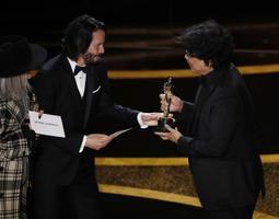 Parima originaalstsenaariumi Oscari pälvis Bong Joon-ho filmiga