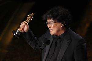 Bong Joon-ho pärast parima originaalstsenaariumi Oscari võitmist