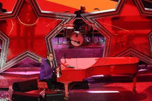 92. Ameerika filmiakadeemia auhinnagalal esines ka Elton John