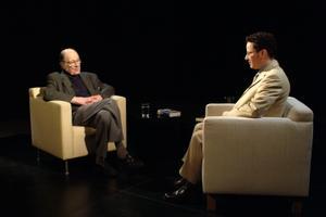 Kirjanik Jaan Kross ja Šveitsi televisiooni ajakirjanik 2004