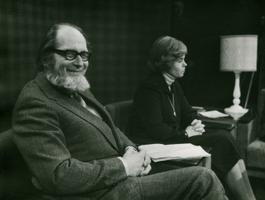 Kirjanik Jaan Kross ja kirjandussaadete toimetaja Ela Tomson 1977