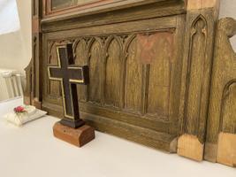 Paide kiriku käärkambris asuv haruldane kodualtar võeti lahti ja toimetati restaureerimisele.
