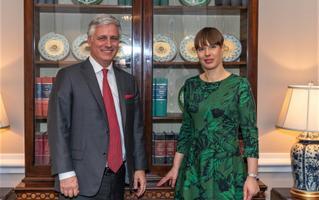 Kersti Kaljulaid kohtus Valges Majas ka president Trumpi riikliku julgeolekunõuniku Robert O'Brieniga.