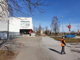 Koolitoidu jagamine Kuristiku gümnaasiumis.