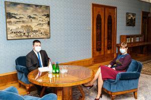 President Kersti Kaljulaid nimetas Raul Siemi väliskaubandus- ja infotehnoloogiaministrina ametisse.