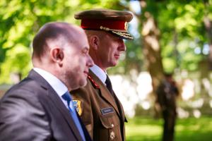 President saatis Kadriorust võidutule teele