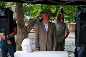 Unveiling of the winning Konstantin Päts memorial design competition on Monday.