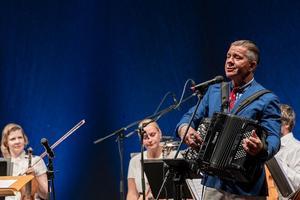 Noblessneri valukojas kõlasid eesti merelaulude uued seaded.