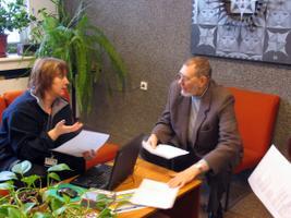 Klassikaraadio peatoimetaja Tiia Teder ja Veljo Tormis otsivad veel sündimata laulule sõnu.