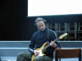 Üks kolmest Weekend Guitar Trio liikmest, Tõnis Leemets.