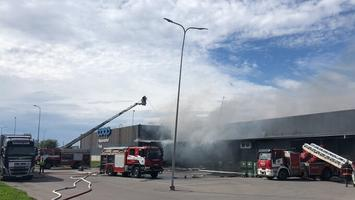 Lasnamäel puhkes kaubanduskeskuses tulekahju.
