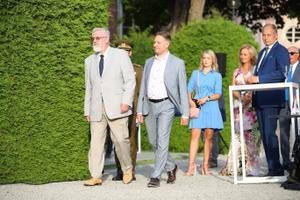 20 augusti mälestuskivi võtavad vastu Eesti Teaduste Akadeemia president Tarmo Soomere ja Eesti Noorte Teaduste Akadeemia president Mario Kadastik.