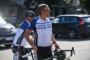 Боевая группа НАТО на велосипедах завершила в Нарве вой тысячекилометровый тур по Эстонии.