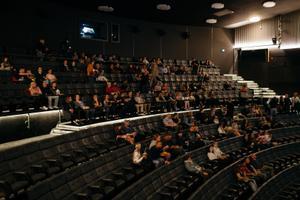 Teneti esilinastus kinos Kosmos