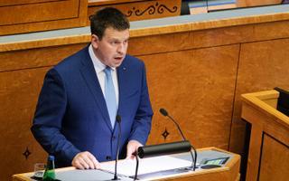 Peaminister Jüri Ratas riigikogus.