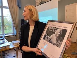 Helmi Tohvelmani nimelise auhinna pälvis Mari Abel.
