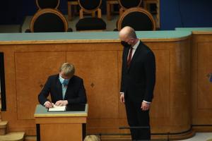 Rain Epler being sworn in as environment minister.