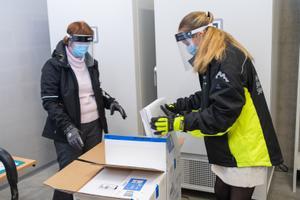 Tallinnasse saabunud esimesed vaktsiinid.