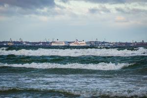 Tallinki laevad harjumatus sadamas.