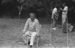 Sulev Nõmmik sõrulaste kokkutulekul. 1988