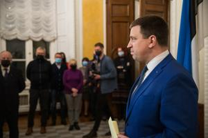 Jüri Ratas resigns as prime minister.