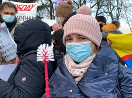 Meeleavaldus Navalnõi vabastamise toetuseks Narvas Peetri platsil.