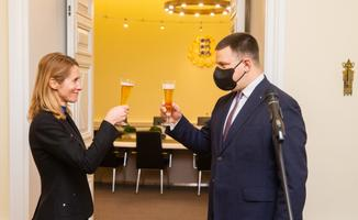 Jüri Ratas officially hands over to Kaja Kallas as prime minister.