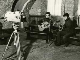Lauljad Jaak ja Mart Johanson, Kloostri ait. 1987