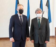 Riigikogu väliskomisjoni esimees Marko Mihkelson kohtus Vene Föderatsiooni suursaadiku Aleksandr Mihhailovitš Petroviga