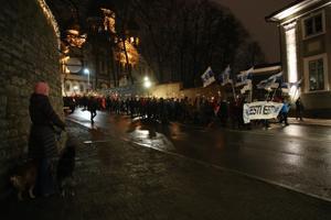 EKRE tõrvikurongkäik Tallinnas vabariigi aastapäeval