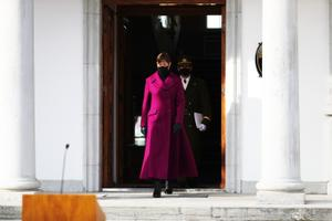 President Kersti Kaljulaid andis Martin Heremile kindralleitnandi auastme.