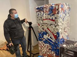 Politseimuuseumi salakaubanäitus, maksumärgita sigaretipakid.