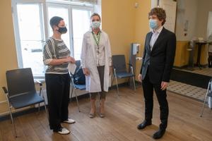 Valitsusliikmete vaktsineerimine Ida-Tallinna keskhaiglas