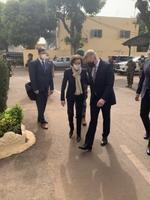 Министр обороны Калле Лаанет во время визита в Мали.