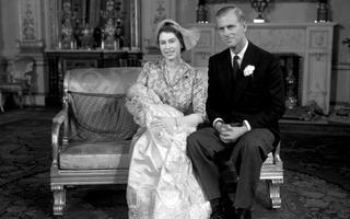 Kuninganna Elizabeth ja prints Philip oma türega 1950. aastal