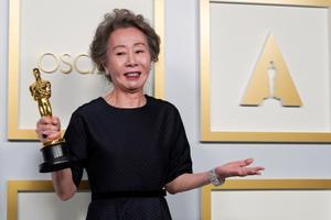 Parima naiskõrvalosa Oscari võitis Yuh-Jung Youn