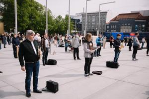 Акция в поддержку военных оркестров.