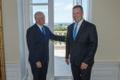 USA asepresident Mike Pence Stenbocki majas.