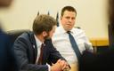 Peaminister Jüri Ratas ning tervise- ja tööminister Jevgeni Ossinovski valitsuskabineti istungil.