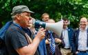 Keskkonnaministrid viiakse loodusmatkale Paukjärvele. Kuigi Marko Pomerants asendati vahetult enne eesistumist keskkonnaministri kohal Siim Kiisleriga, juhatab ta siiski matkal vägesid.