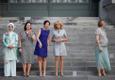 Vasakult: Türgi esimene leedi Emine Erdogan, Jens Stoltenbergi abikaasa Ingrid Schulerud, Belgia peaministri abikaasa Amelie Derbaudrenghien, Brigitte Macron Prantsusmaalt ja Karin Ratas.
