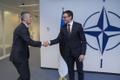 Eesti välisminister Sven Mikser NATO peasekretäri Jens Stoltenbergiga kohtumas.