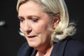Marine Le Pen asetas kommunismiohvrite memoriaalile lilled.