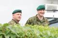 Viru pataljoni ülemuse vahetus. Viru pataljoni ülem kolonelleitnant Tarvo Luga,  1. jalaväebrigaadi ülem kolonel Vahur Karus.